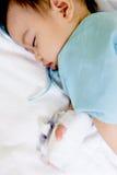 Jongenspatiënt in het ziekenhuis Stock Afbeeldingen