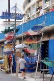 Jonger bij de haven royalty-vrije stock foto's