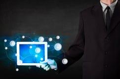 Jongereholding talbet met communicatietechnologie concep Royalty-vrije Stock Afbeeldingen