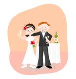 Jonggehuwden: bruid en bruidegom met champagne Stock Foto's
