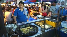Πωλητής τροφίμων στην οδό Jonker Malacca απόθεμα βίντεο