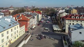 Joods Kazimierz-district in Krakau, Polen Luchtvideo stock videobeelden