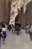 jordão Rochas A estrada à cidade antiga Petre Fotografia de Stock Royalty Free