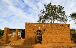 Jord- husbyggnad Royaltyfri Fotografi