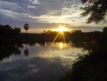 Jord- och solskarv tillsammans Royaltyfri Fotografi
