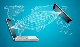 Jorda en kontakt begreppet för kommunikationen för jordklotminnestavla- och datorbärbara datorn Royaltyfria Foton