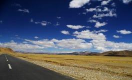 jorda en kontakt himmel Fotografering för Bildbyråer