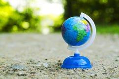 jorda en kontakt jordklotet Royaltyfri Bild