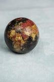 jorda en kontakt jordklotet Arkivfoton