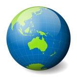 Jorda en kontakt jordklotet med den gröna världskartan och slösa hav och hav som fokuseras på Australien Med tunna vita meridiane Royaltyfri Fotografi