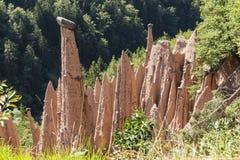 Jorda en kontakt pyramider, Renon, södra Tyrol, Italien Royaltyfria Foton