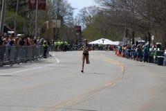 Jordan Hasay U.S.A. corre nella maratona di Boston il 17 aprile 2017 Immagini Stock