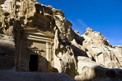 jordan little petra-tombs Royaltyfri Fotografi