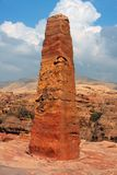 jordan nabatean obeliskpetra royaltyfria foton