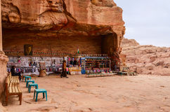 Jordan, Petra, a gift shop near the royal tombs Royalty Free Stock Photos