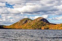 Jordan Pond im Acadia-Nationalpark Stockfotografie