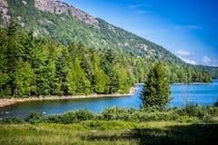 Jordan Pond Path Trail en parc national d'Acadia, Maine image stock