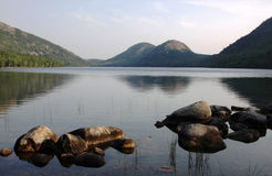 Jordan Pond Sunrise. The 'Bubble' mountains and Jordan Pond in Acadia National Park, Maine, USA Stock Photo
