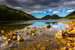 Jordan Pond and view of the Bubbles in Acadia National Park, Mai Royalty Free Stock Images
