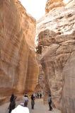jordan Vaggar Vägen till den forntida staden Petre Royaltyfri Bild