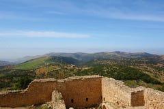 Jordan Valley som ses från den Ajloun slotten, muslimsk slott som byggs av Ayyubidsen i det 12th århundradet som förstoras av Mam Royaltyfri Foto