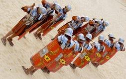 Jordanian mensen kleden zich als Roman militair Royalty-vrije Stock Afbeeldingen