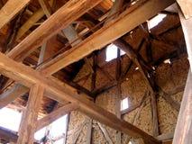 Jordbruks- byggnad i korsvirkes- stil royaltyfri foto