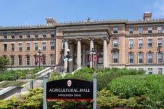 Jordbruks- Hall på universitetsområdet av universitetet av Wisconsin-M royaltyfria foton