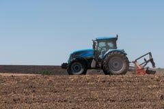 Jordbruks- maskineri, arbete i fältet. Royaltyfri Fotografi