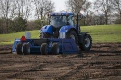 jordbruks- maskineri som planterar seederfjädern Royaltyfri Fotografi