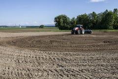 jordbruks- maskineri som planterar seederfjädern Royaltyfri Foto