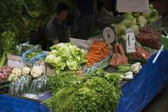 Jordbruksprodukterställning på den lokala marknaden Arkivbilder