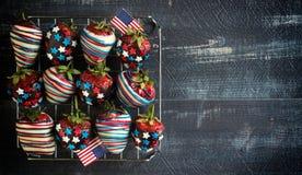 Jordgubbar med USA flaggagarnering Fotografering för Bildbyråer