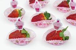 Jordgubbar - muffin Royaltyfri Bild