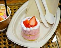jordgubbe för kopp för cakekaffekräm set Arkivbilder