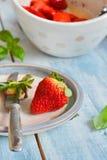 Jordgubbe - jordgubbar Arkivbild