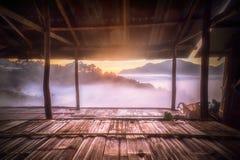 Jordgubbekolonin förlägga i barack på doiangkhang, Thailand Arkivfoto