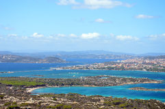 Jordiskt paradis i det medelhavs- Skärgård av Maddalena, Caprera ö royaltyfri foto
