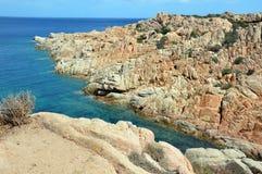 Jordiskt paradis i det medelhavs- Skärgård av Maddalena, Caprera ö Royaltyfri Fotografi