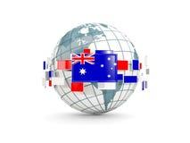 Jordklotet med flaggan av Australien isolerade på vit Fotografering för Bildbyråer