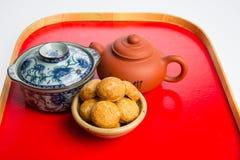 Jordnötkakor eller kinesiska traditionella jordnötkakor på en backgr Arkivfoton