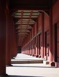 jordniner tempelet royaltyfria bilder