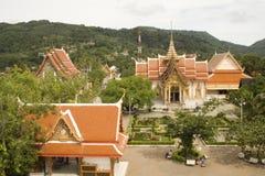 jordningsphuket tempel Fotografering för Bildbyråer