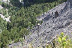 Jordpyramider i Hautesen-Alpes, Frankrike arkivfoton