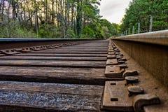 Jordsikt av gamla spår för stångväg Royaltyfri Bild