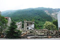 Jordskalvet förstör Royaltyfria Foton