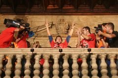 Jorge Lorenzo świętowania w palmie Zdjęcia Royalty Free