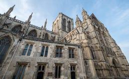 Jork Anglia UK Widok Jork minister, jeden światowy ` s najwięcej wspaniałych katedr Fotografujący na słonecznym dniu zdjęcie stock