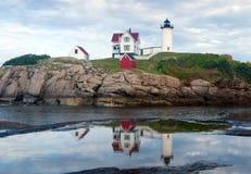 Jork, Maine - Nubble światło odbija w kałuży Zdjęcie Royalty Free