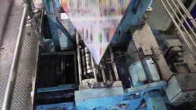 Jornais da impressão na tipografia vídeos de arquivo